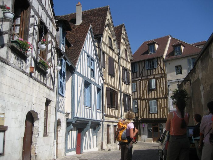 Auxerre Visite FRANCE A VELO